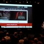 Subtitulamos en directo el homenaje al poeta Joan Vinyoli